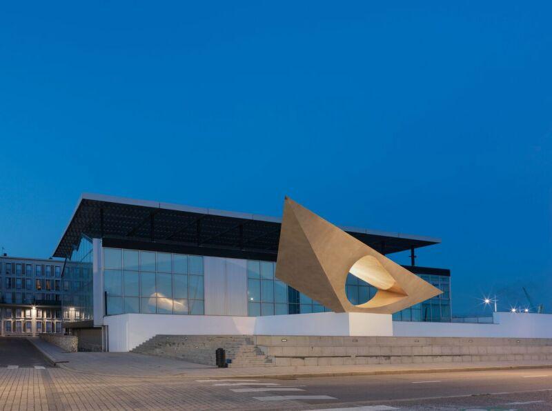 MuMa, vue d'ensemble, façades nord-ouest, vue du Signal après restauration, 2012. © MuMa Le Havre Florian Kleinefenn