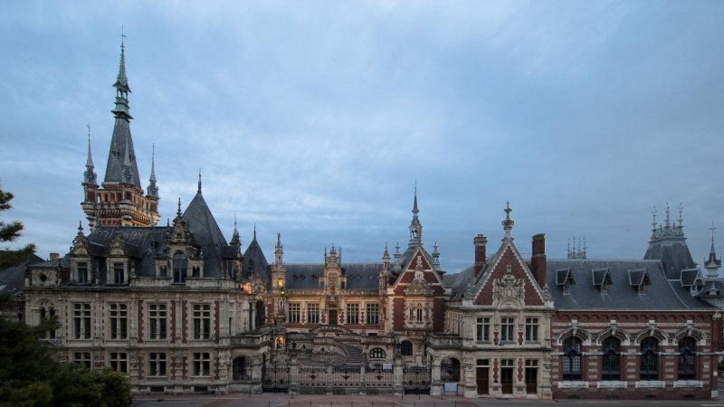 Vue extérieure du Palais Bénédictine à Fécamp