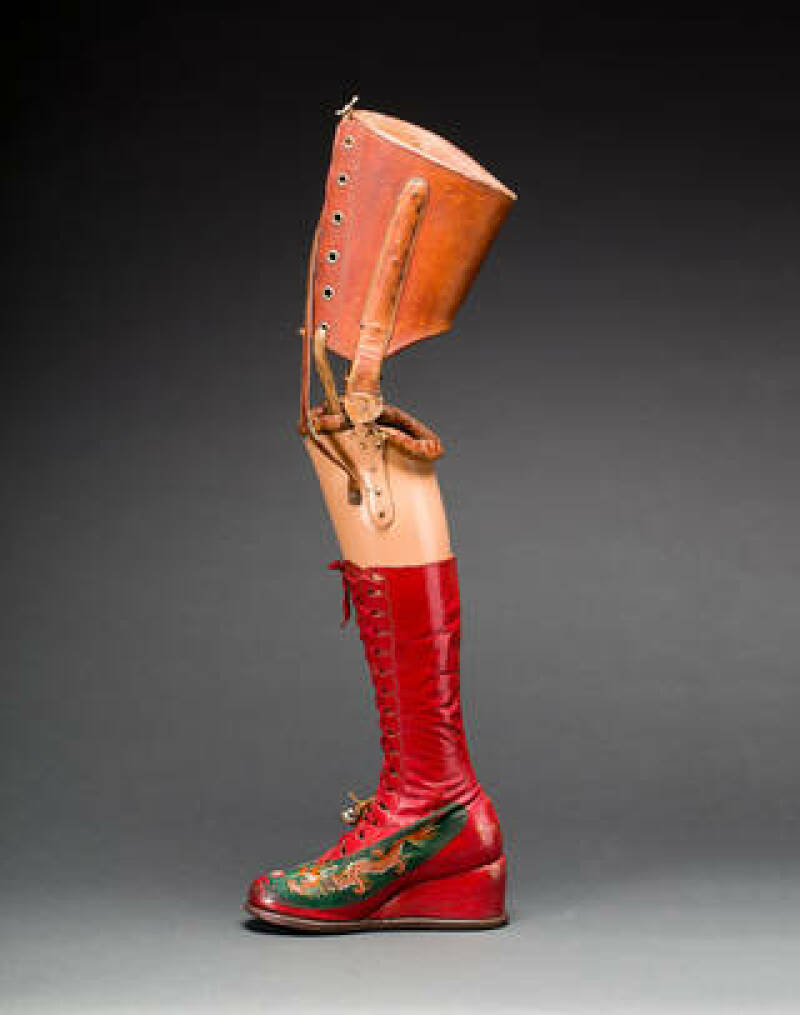 Prosthetic leg with leather boot. Museo Frida Kahlo