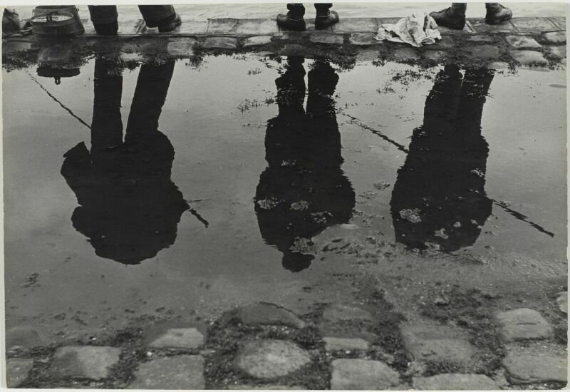 Sabine Weiss, Bords de Seine, Paris, France, 1952