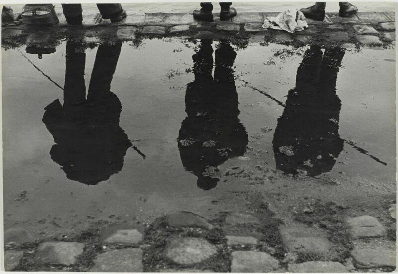 Sabine Weiss, Bords de Seine, Paris, France, 1952
