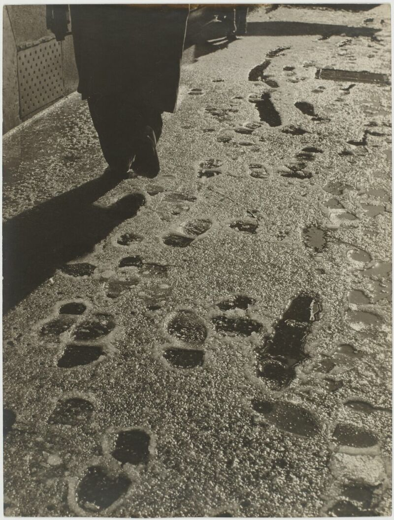 Sabine Weiss, Paris, France, 1953 neige
