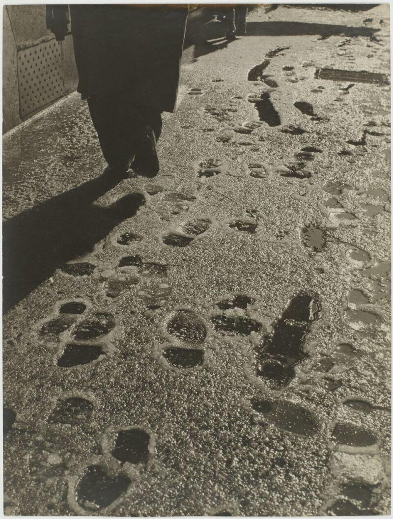 Sabine Weiss, Paris, France, 1953 neige