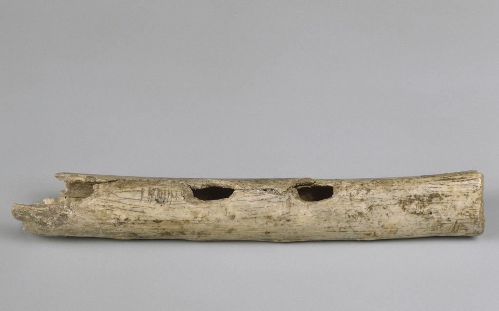 Trésors des collections - Musée d'archéologie nationale, Saint Germain en Laye (27)