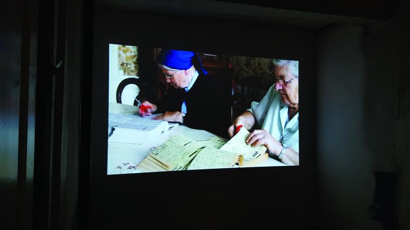 Vue de l'exposition En Marge, Bertille Bak - Memento, Auch