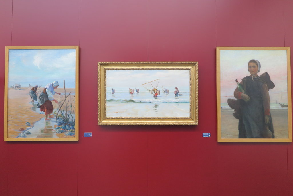 Vue de l'exposition Une Femme à la Mer - Musée national de Berck-sur-Mer