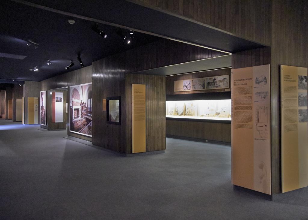 Vue des collections permanentes - Musée national d'archéologie, Saint Germain en Laye (6)
