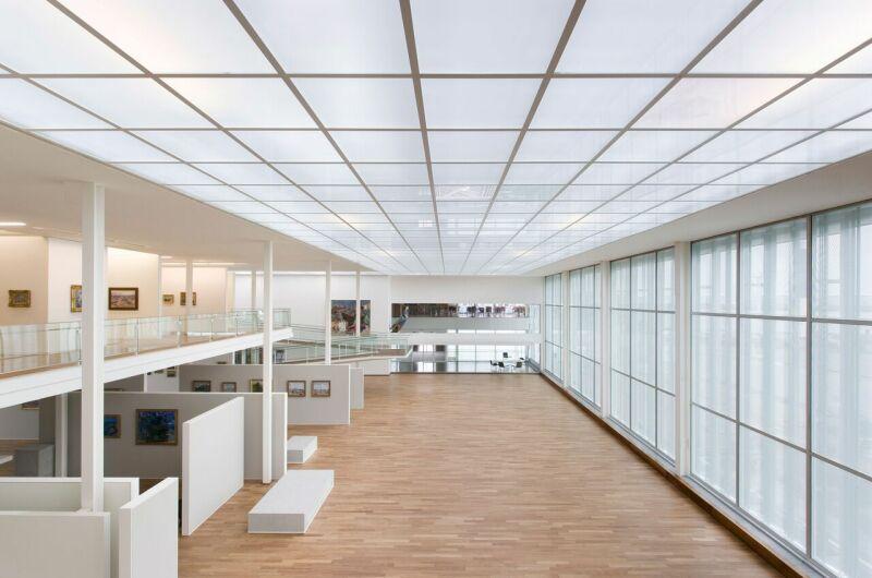 Vue intérieure, grande nef depuis la mezzanine (lieu des expositions temporaires). © MuMa Le Havre Florian Kleinefenn