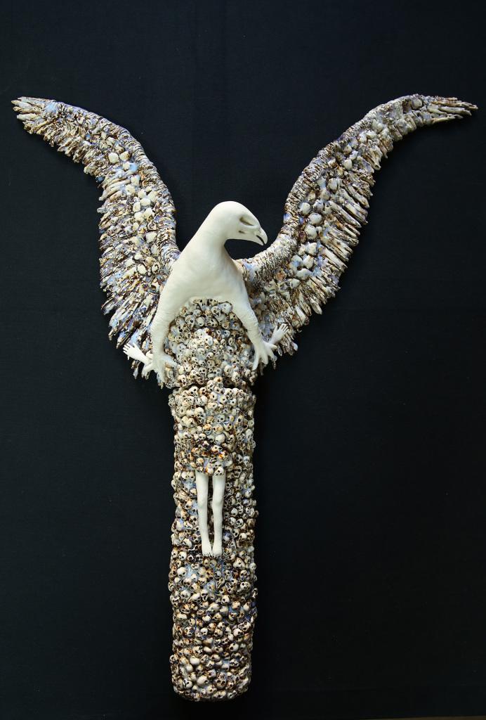 Catherine Wilkening, Le Phoenix porcelaine émaillée, 2017