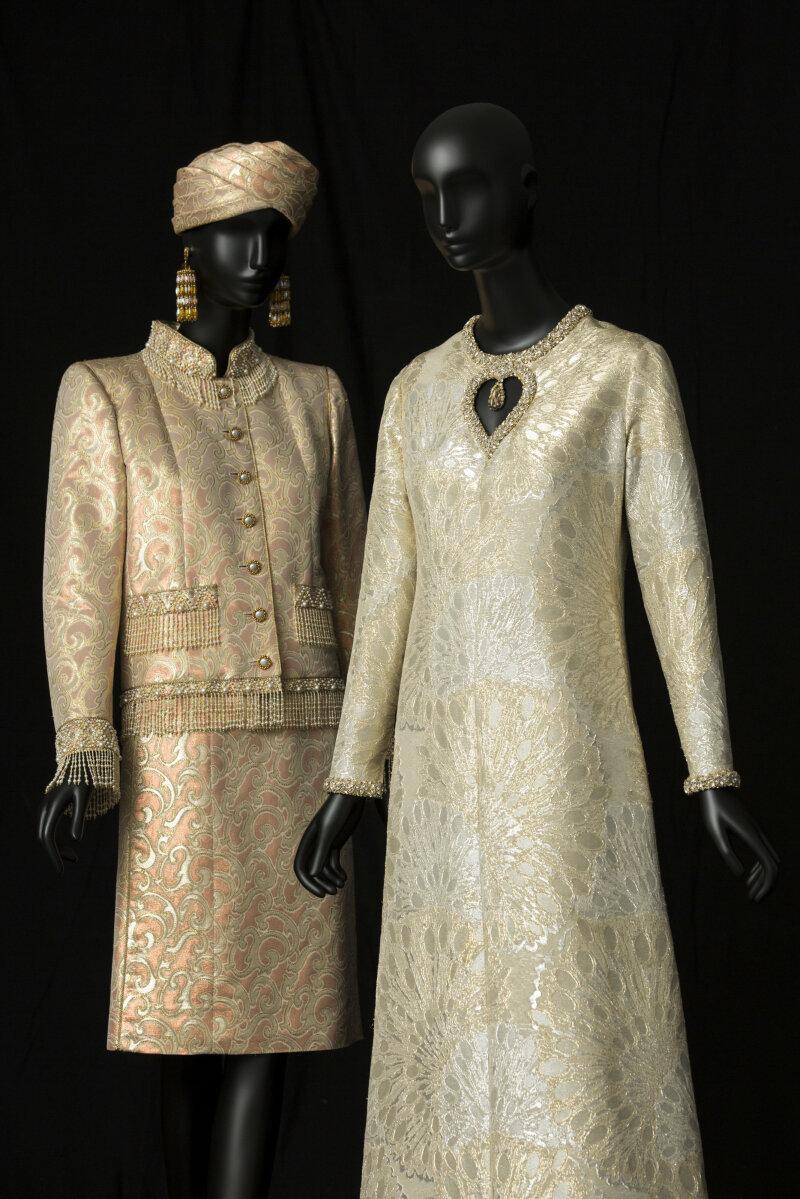 bb54e8c5843e 05-tailleur-de-soir-court-collection-haute-couture-printemps-ete-1982-et-robe-de-soir-long-collection-haute-couture-automne-hiver-1969-c-musee-yves-saint-  ...