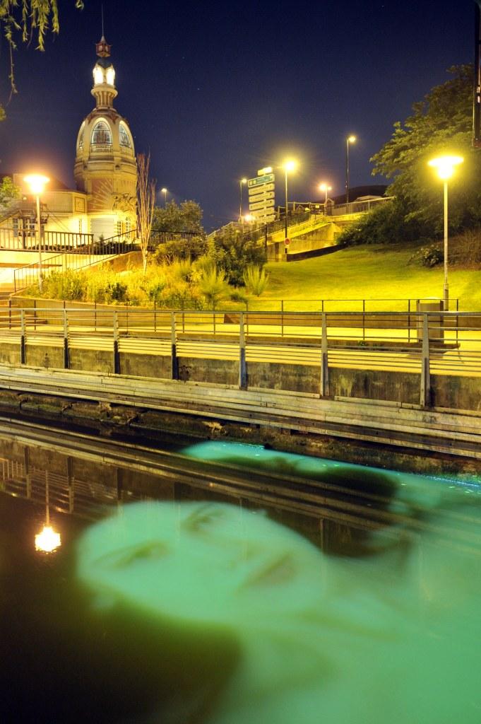 Ange Leccia, Nymphéa, Canal Saint-Félix, Nantes, création pérenne Estuaire 2007
