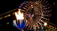 JO-Jeux-Olympiques-de-Rio-2016-Bresil-2e-chaudron-flamme-olympique-place-Candelaria-centre-ville-Rio-de-Janeiro-Sculpture-Anthony-Howe-Photo-Alex-Ferro