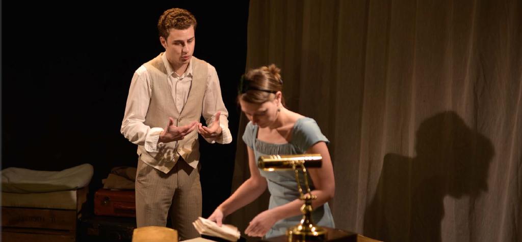 Caroline Rainette et Lennie Coindeaux dans Légende d'une vie au Théâtre du Lucernaire