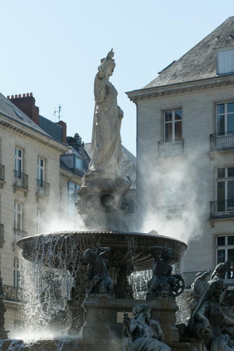 """Michel Blazy, """"Sortie de fontaine"""", Nantes - place Royale - Voyage à Nantes 2018"""