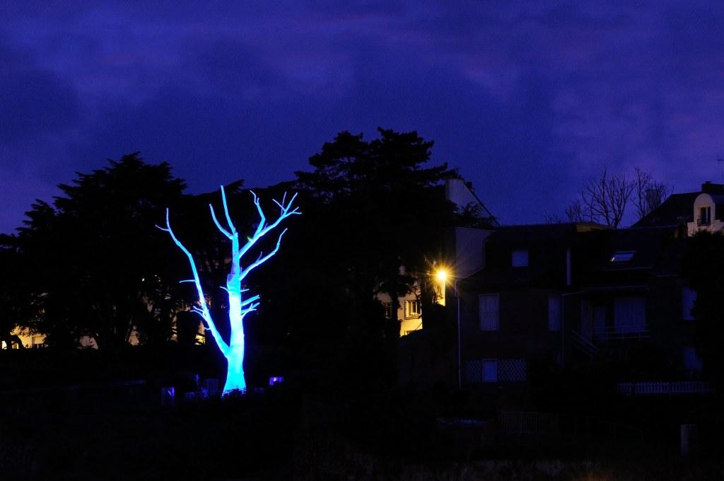 Mrzyk & Moriceau, Lunar tree, butte Sainte-Anne, Nantes, création pérenne Estuaire 2012