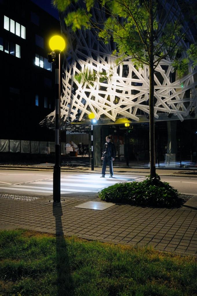 Rolf Julius, Air, Quartier de la création (bâtiment Manny), Nantes, création Estuaire 2009