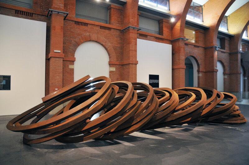 Bernar Venet, Effondrement huit lignes indéterminées, 2009