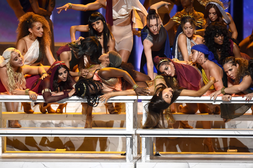 "2018 MTV Video Music Awards - Ariana Grande fait le show et recrée ""La cène"" de De Vinci"