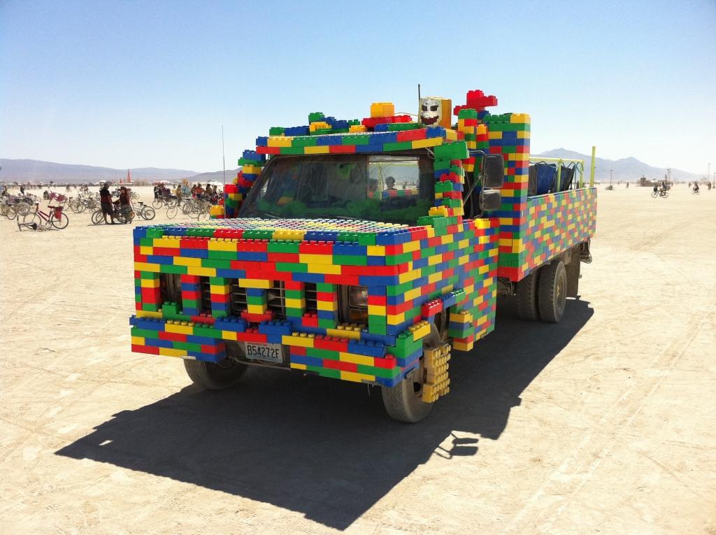 Burning Man 2011 voiture lego