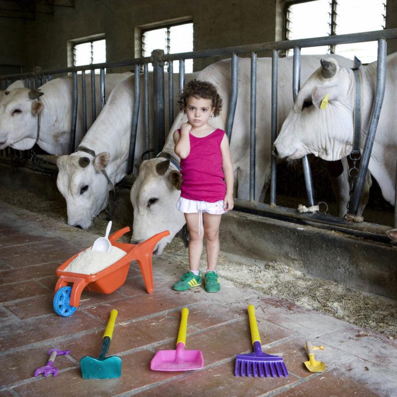 Alessia Pellegrini, 5 - Castiglion Fiorentino, Italy (c) Gabriele Galimberti, Toy Stories