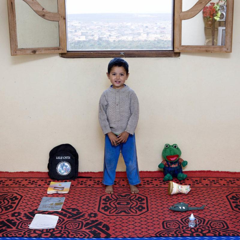 Norden Brahke - 5 anni -  Massa, Marocco (c) Gabriele Galimberti, Toy Stories