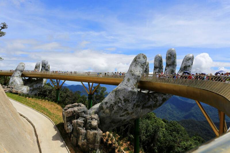 DaNang, Golden Bridge