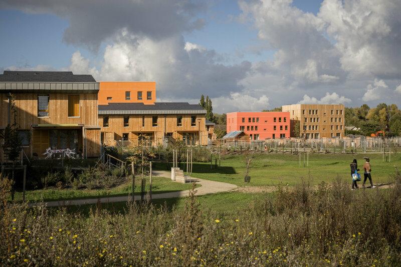 Ecovillage des Noés, Val de Reuil - Atelier Philippe Madec - Photographie © Pierre-Yves Brunaud / Picturetank- CITES JARDINS, CITES DE DEMAIN