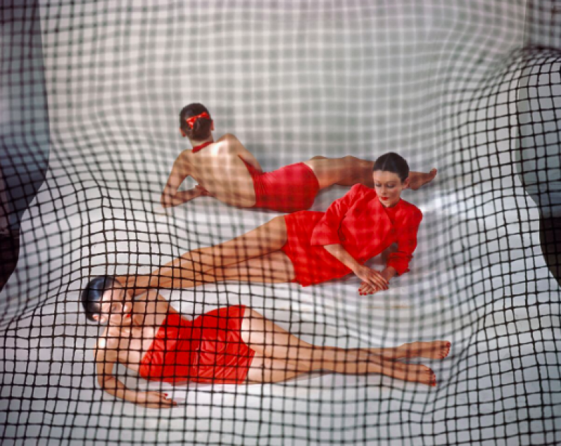 Erwin Blumenfeld, Red Bathing