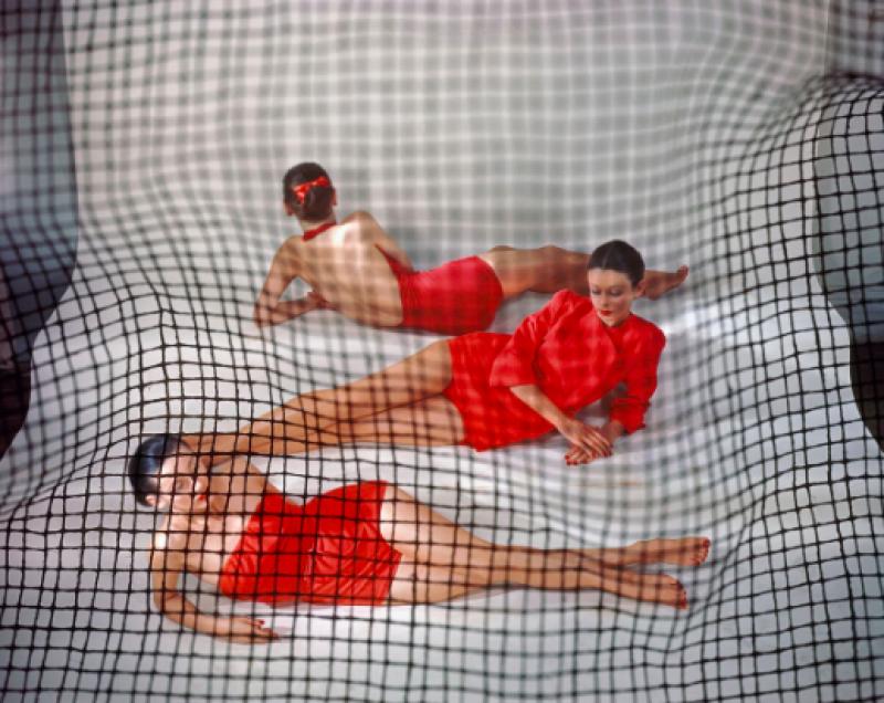 Erwin Blumenfeld, Red Bathing