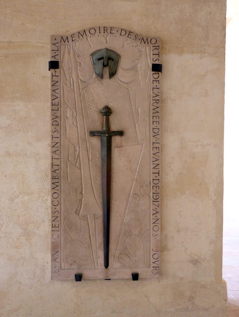 Plaque commémorative pour les soldats français envoyés à l'Est et au Levant entre 1918 et 1923
