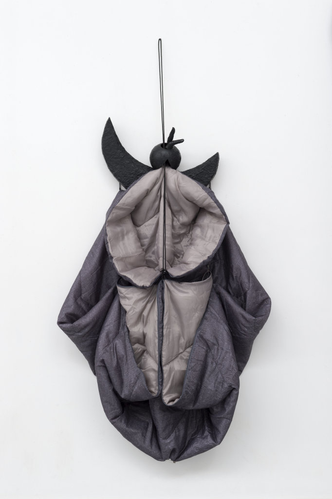 Annette Messager, La boule Sleeping Bag, 2018