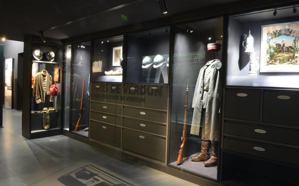 Équipements de soldats français et allemands