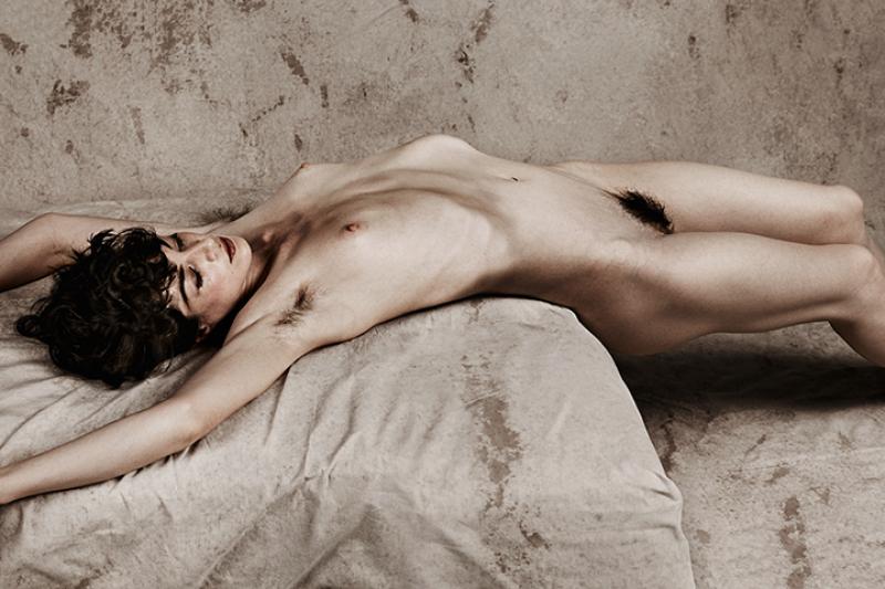 Erotic Masters by Rowan Metzner - Inspiré de Schiele