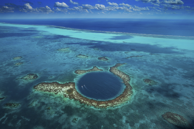 The Great Blue Hole, Lighthouse Reef, Belize (17°19' N – 87°32' W).