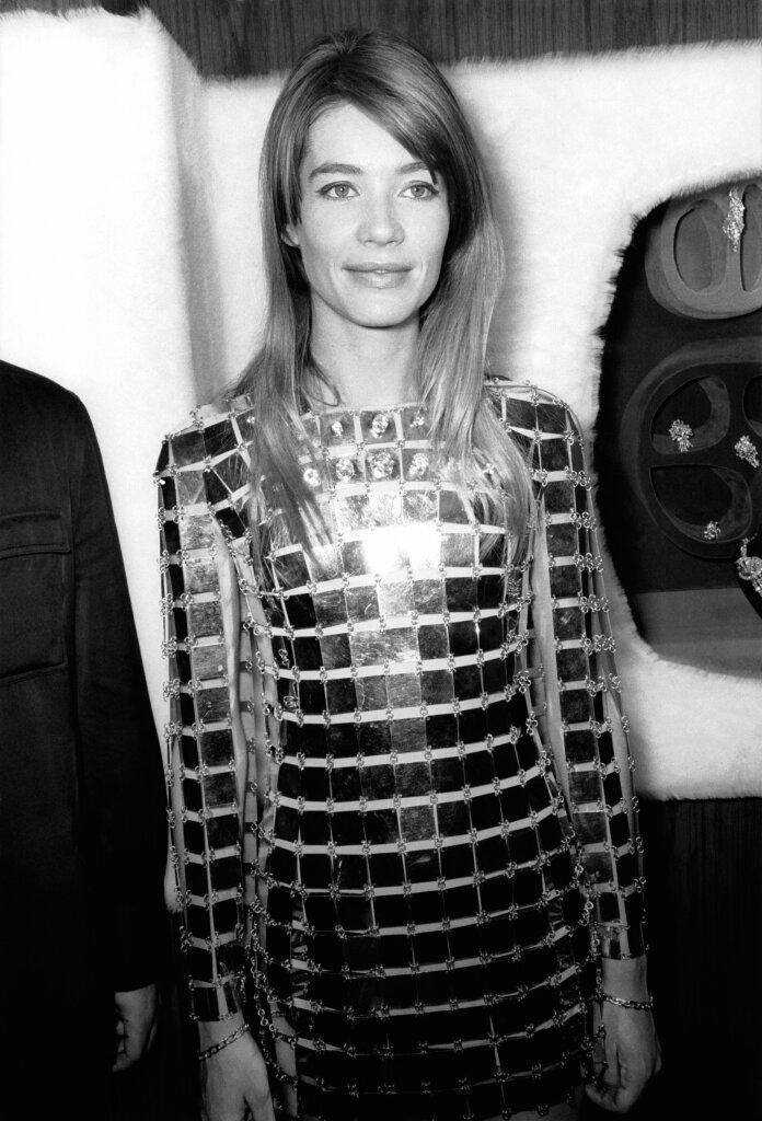 Françoise Hardy en robe Paco Rabanne