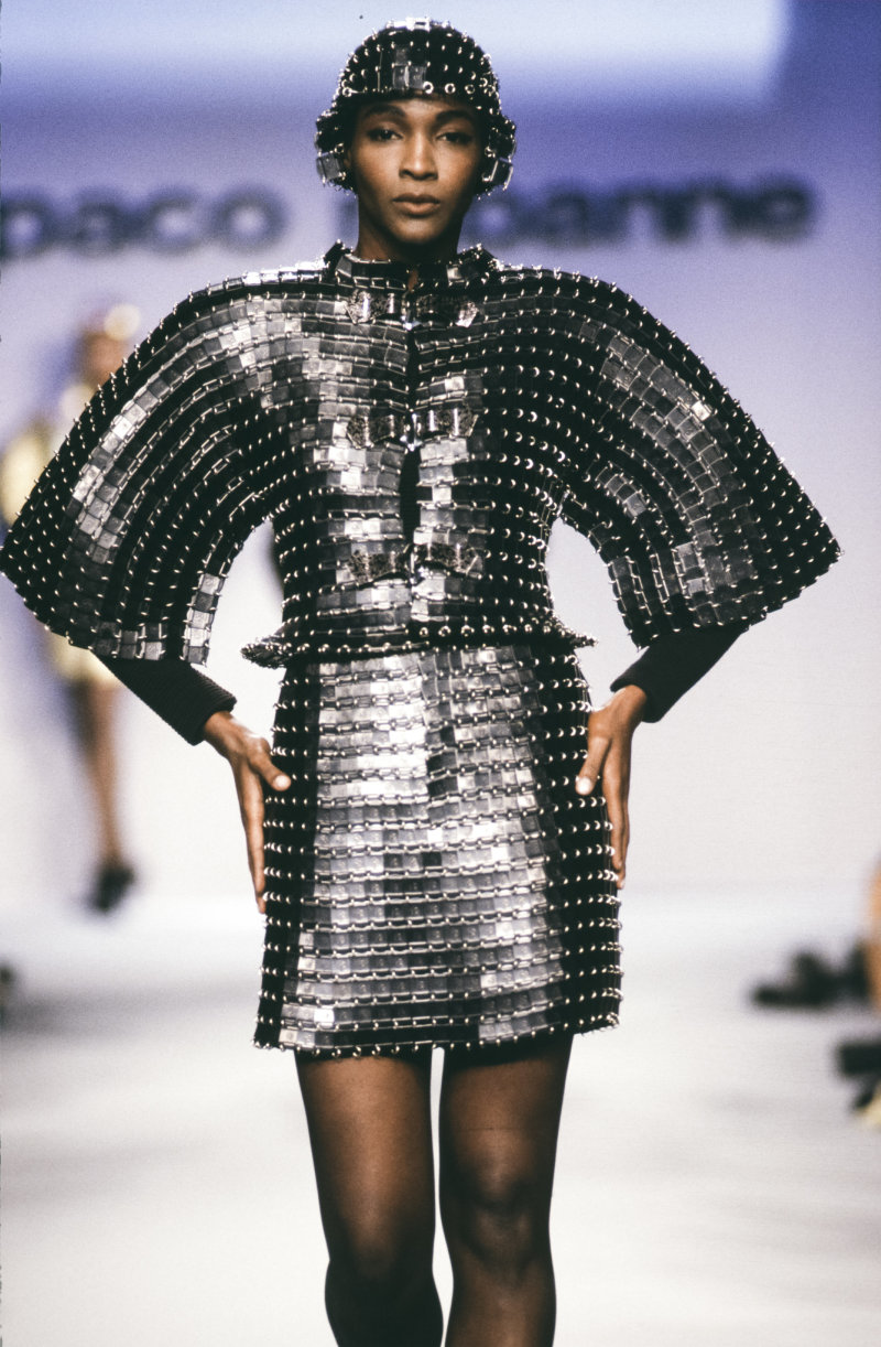 PARIS, FRANCE - JULY: A model walks the runway at the Paco Rabanne Haute Couture Fall/Winter 1990-1991 fashion show during the Paris Fashion Week in July, 1990 in Paris, France. (Photo by Victor VIRGILE/Gamma-Rapho via Getty Images)