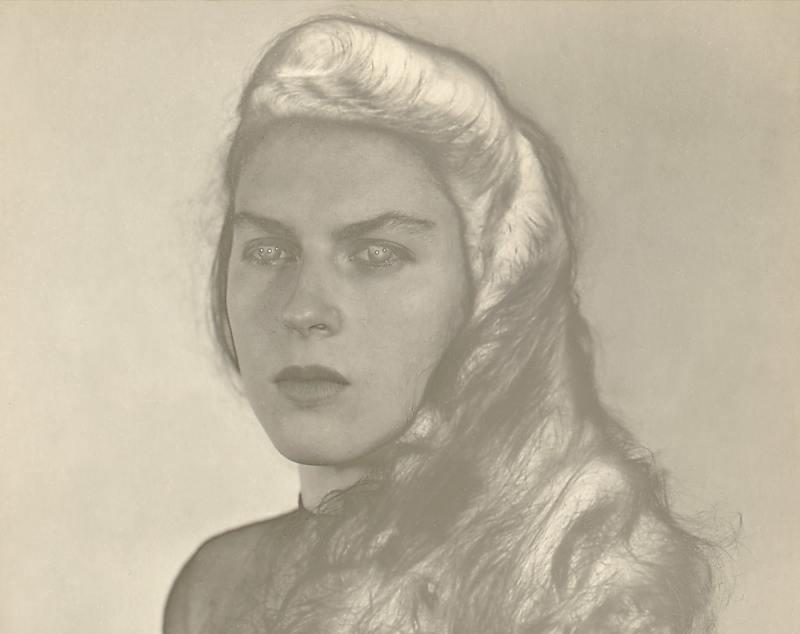(c) Isabel  Mandello