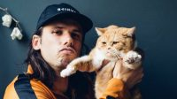 Orelsan et son chat