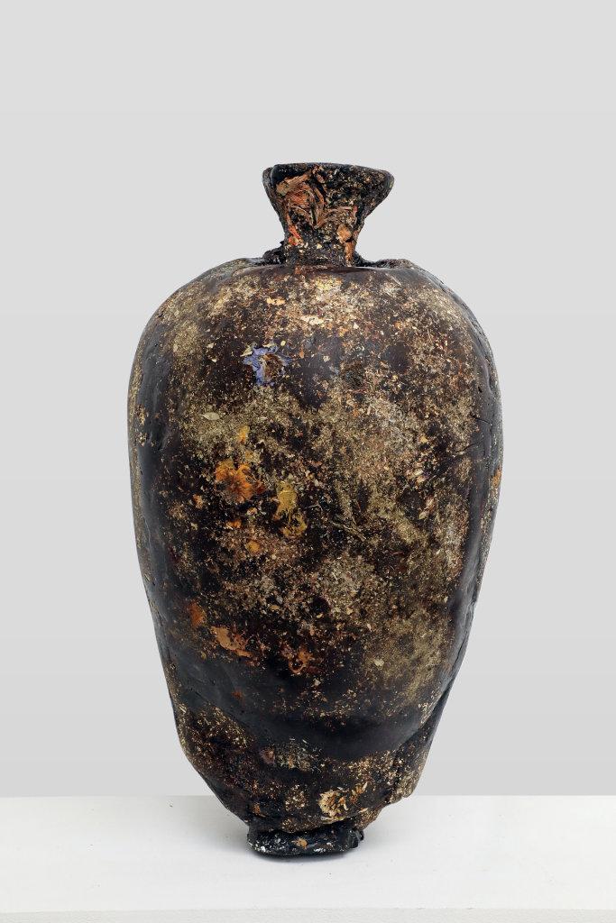 Marcin Rusak, Perishable vase V, 2017