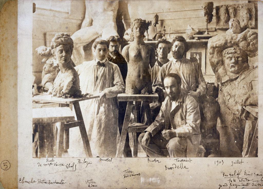Bourdelle et ses praticiens dans son atelier, 1903