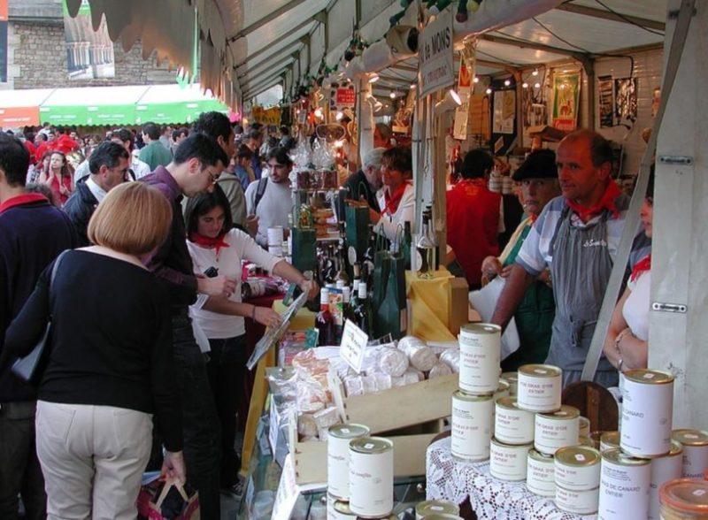 Produits-du-terroir-du-Sud-Ouest-et-marchés-flottants-à-Paris