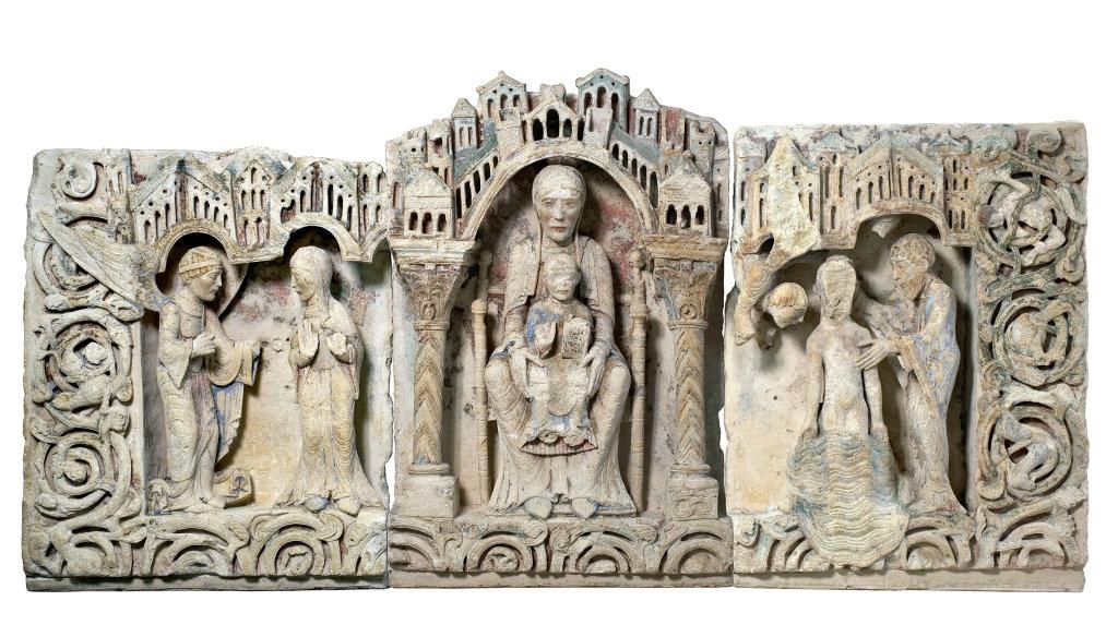 Retable : l'Annonciation, la Vierge en Majesté, le Baptême du Christ