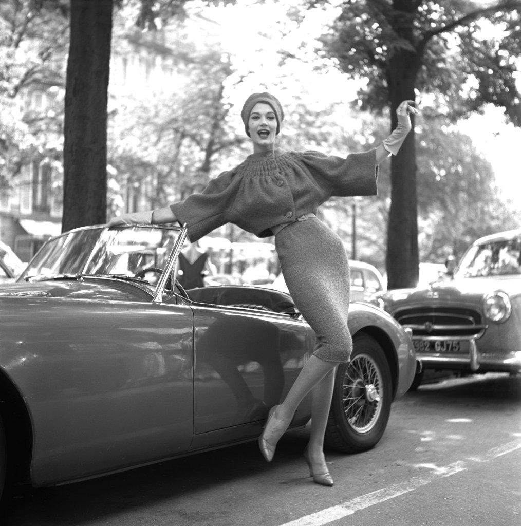Simone D'Aillencourt, Paris 1957 par Georges Dambier
