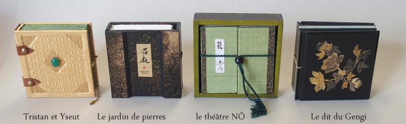Suite de livres minuscules  4 x 4 cm (c) Mini ma
