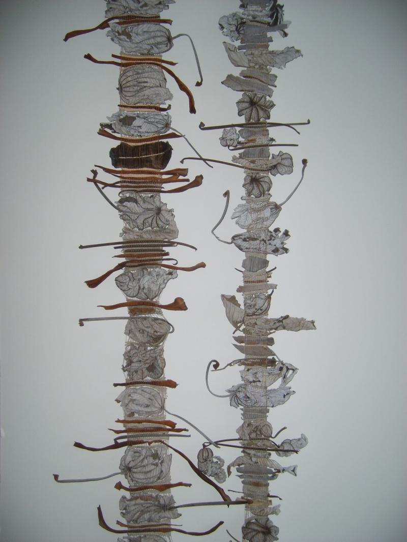 Maire Noelle Fontan, « Guarumo », 2008, écorces bananier, arbre à pain, feuilles de cécropia