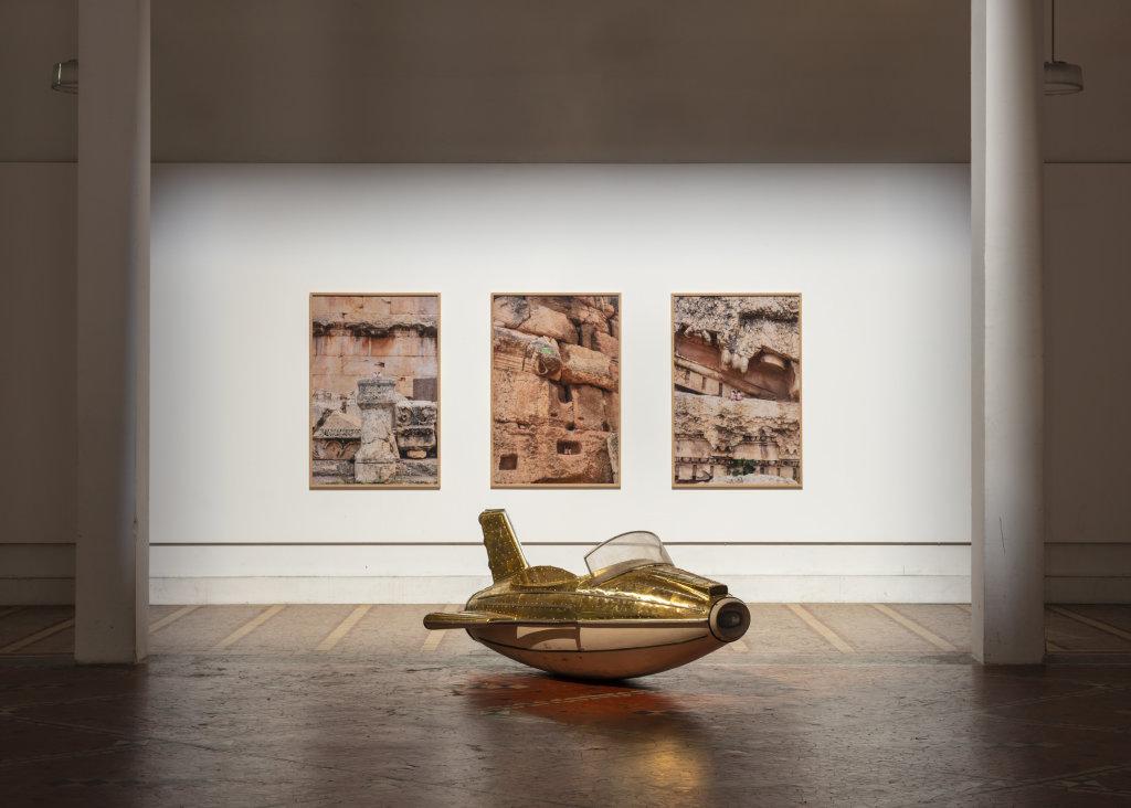 Vue de l'exposition Benjamin Loyauté à la Porte dorée