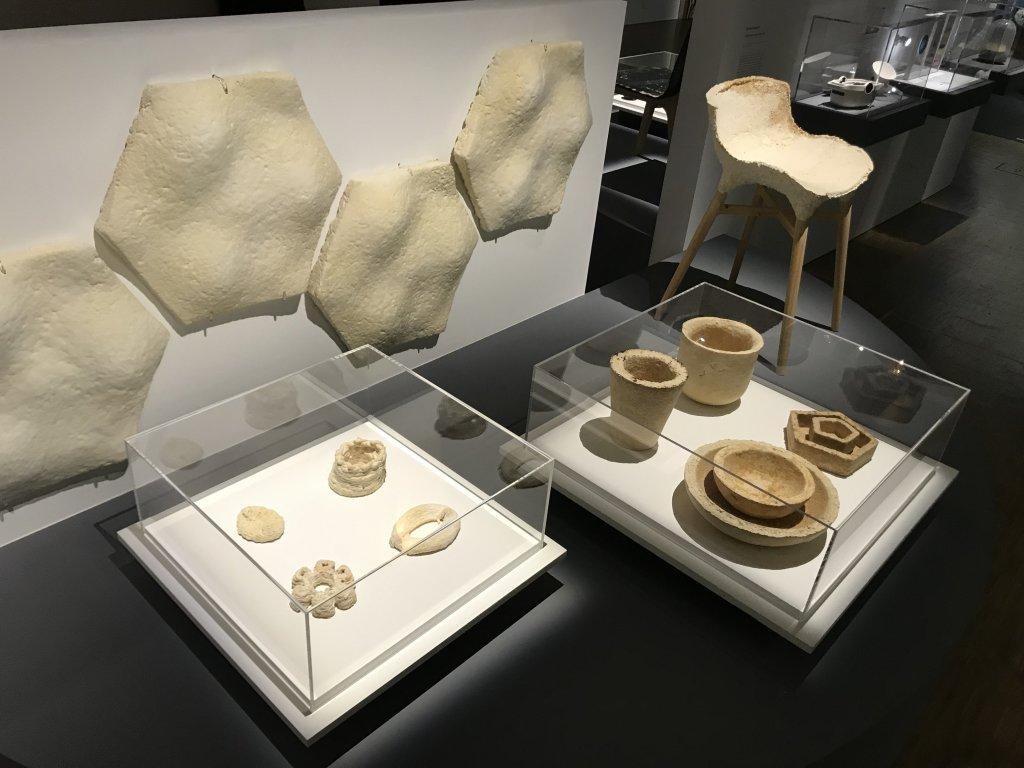 Vue de l'exposition Cycle Mutations Créations 3, La Fabrique du vivant, Erika Verzutti, Centre Pompidou, Paris (68)