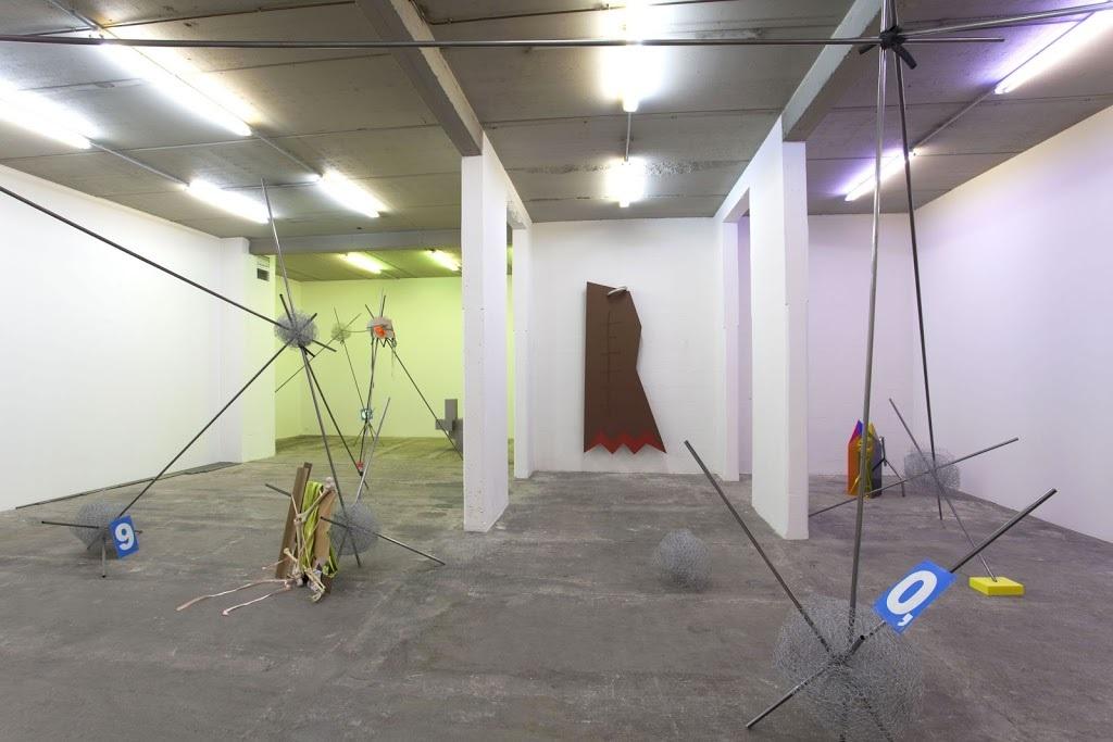 Delphine Coindet, Vue d'exposition Attachements, 2017 Galerie Laurent Godin