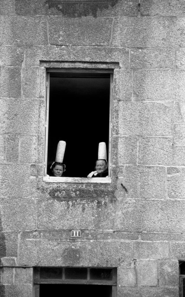 Robert Doisneau, Bigoudènes à Pont l'Abbé, juin 1966