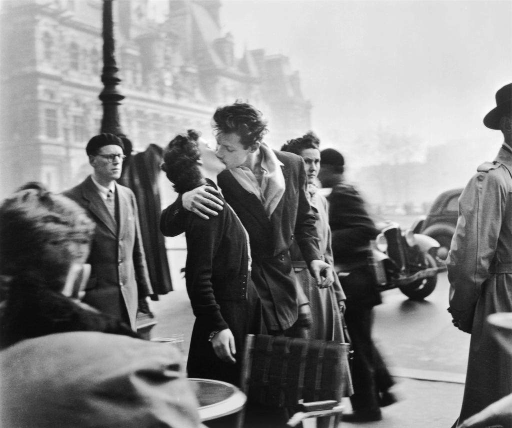 Doisneau, Le Baiser de l'Hôtel de ville, Paris 1950